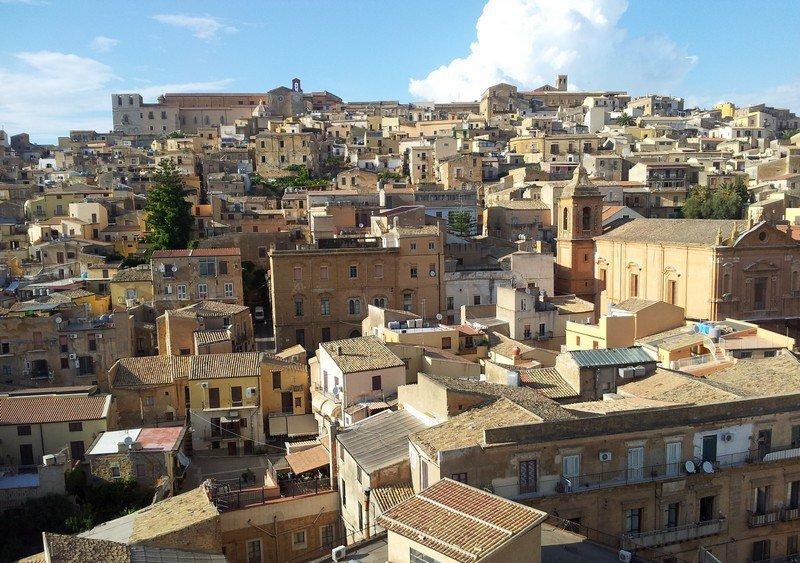 Verso Agrigento / Montelusa