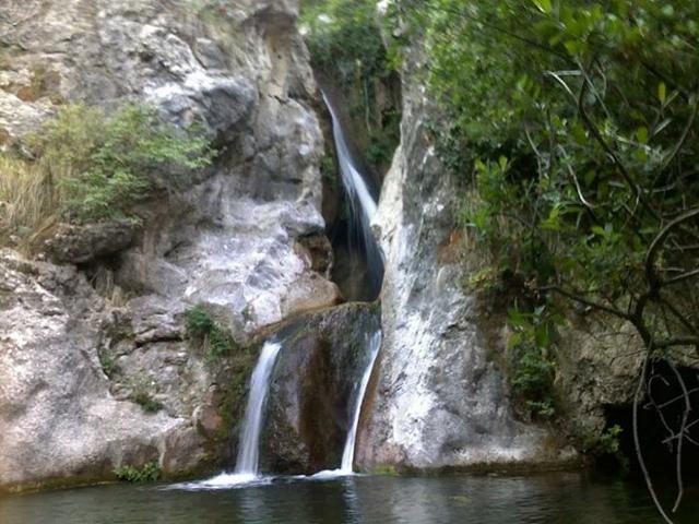 Una piccola cascata lungo il fiume Sosio