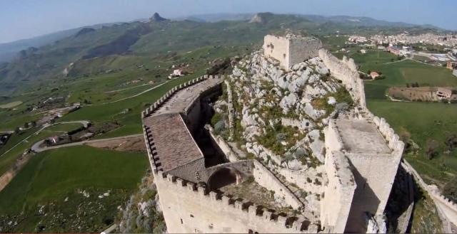 Veduta aerea del Castello di Mussomeli