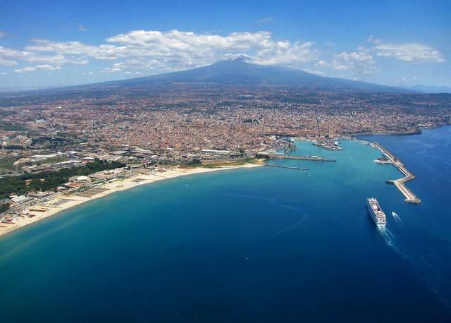 Catania dall'alto - ph Antonio Iacullo