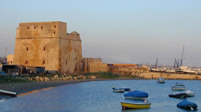 La Torre Carlo V a Porto Empedocle