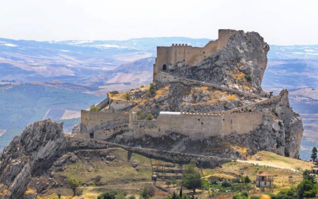 Il Castello di Mussomeli e i suoi fantasmi