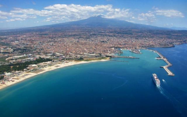 Catania, rinata dalle sue ceneri come l'Araba Fenice