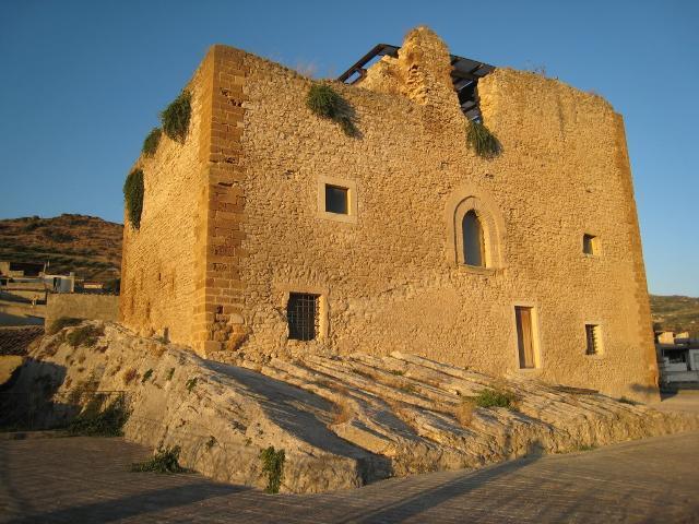 Il Castello Peralta a Burgio