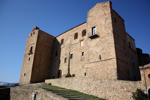 L'imponente Castello dei Ventimiglia - Castelbuono (PA)