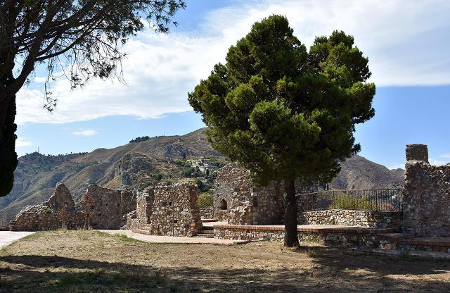 Ruderi del castello di Castelmola (ME)