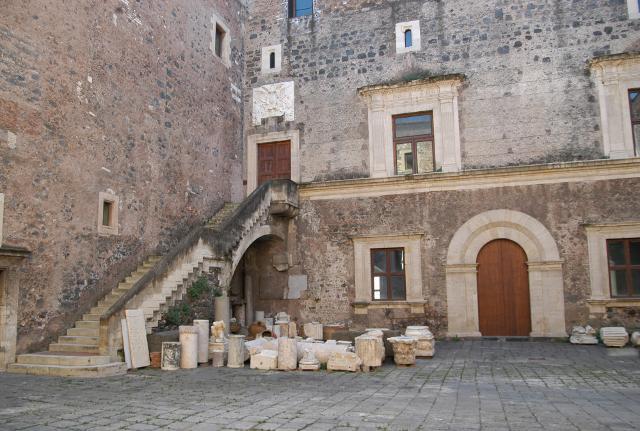Il cortile interno del Castello Ursino di Catania