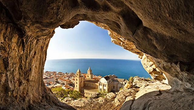 Il Duomo di Cefalù visto dalla Rocca