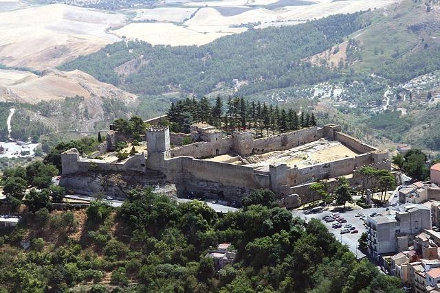 I castelli della provincia di Enna
