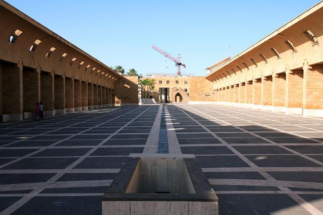 Il sistema delle piazze di Gibellina Nuova progettato da Franco Purini e Laura Thermes