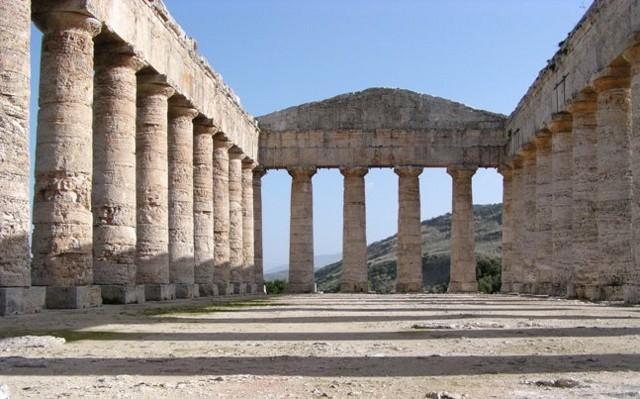 Il Tempio dorico del Parco Archeologico di Segesta