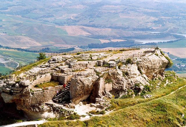 La Rocca di Cerere con i resti del santuario di Demetra - Enna