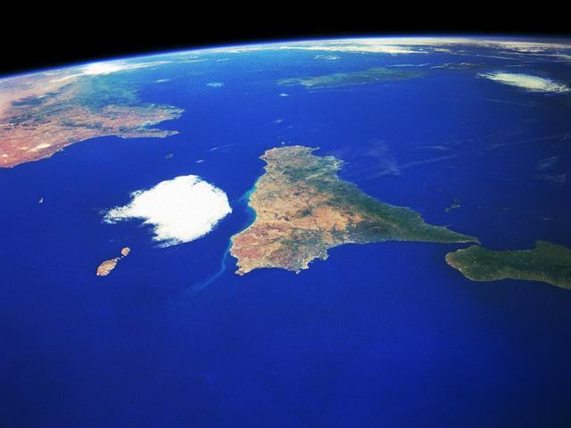 La Sicilia, al centro del Mediterraneo
