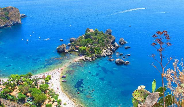 Isola Bella vista da Taormina