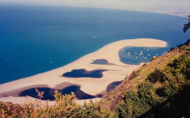 La spiaggia di Marinello a Tindari