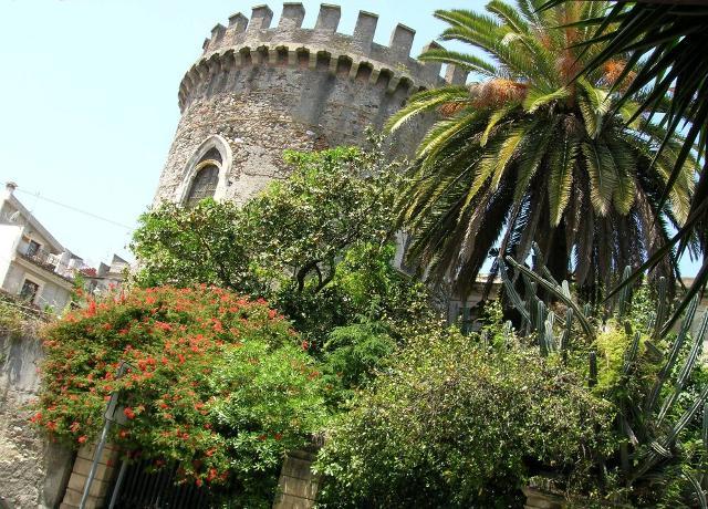 La Torre saracena di Roccalumera