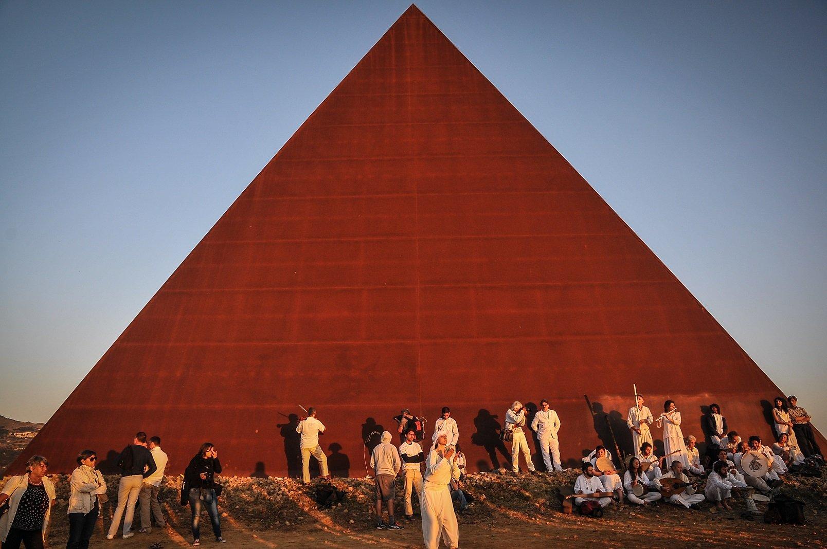 38° Parallelo - Piramide (2010)