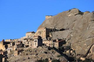 Il borgo rupestre di Sperlinga