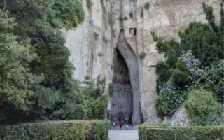 Thysia. Il rito segreto: un'esperienza sensoriale nella religione della Sicilia Greca