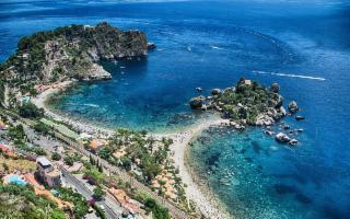 Lo Jonio e le sue meravigliose perle: Isola Bella, Castelmola e Monte Venere