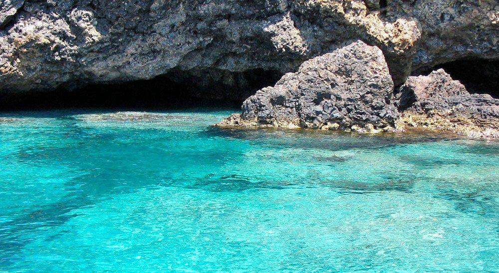 Le grotte di Ustica