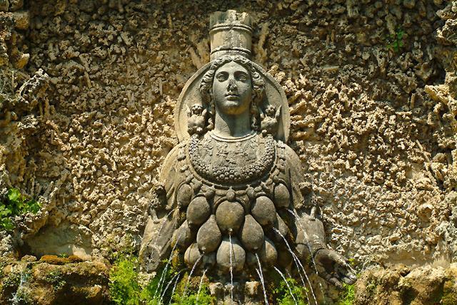 Fontana raffigurante Artemide a Villa d'Este