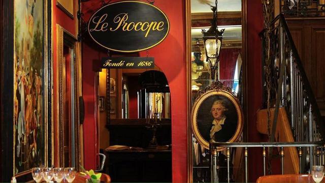 Il Café de Procope di Parigi, aperto nel 1686 dal siciliano Francesco Procopio de' Coltelli