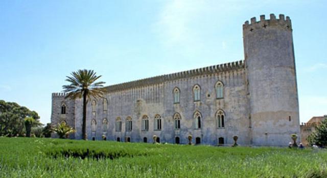 palchi-diversi-al-castello-edipo-re