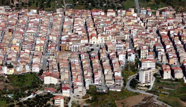 Una veduta aerea di Cerda, Città del carciofo