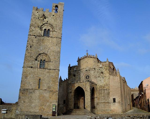 La Chiesa Madrice e la Torre Campanaria di Erice