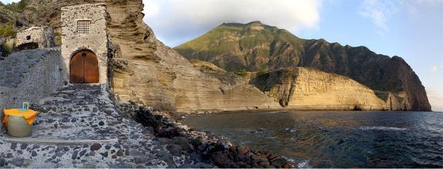 La spiaggia di Pollara a Salina - Eolie