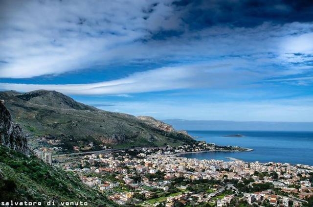 Veduta di Sferracavallo (PA) - foto di Salvatore Di Venuto