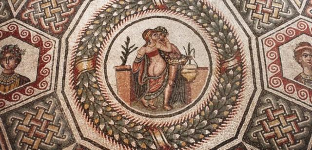 Il mosaico di una scena erotica in un cubicolo di una sala privata della villa romana del Casale