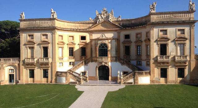 L'ingresso di Villa Valguarnera a Bagheria