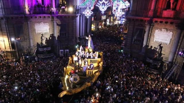 Carro di Santa Rosalia durante il Festino