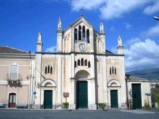 La Chiesa del Santissimo Rosario di Cosentini