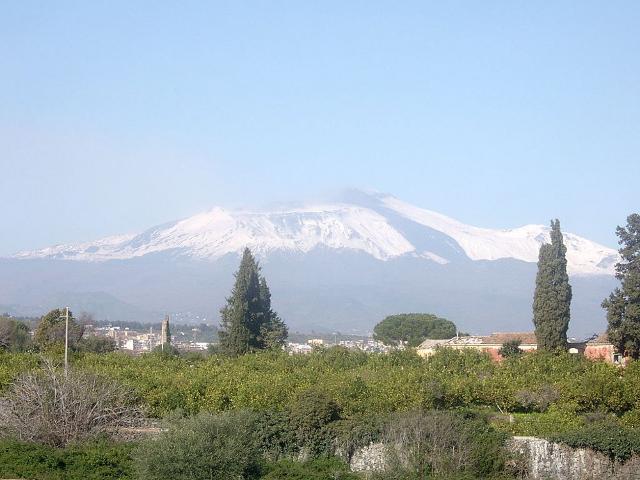 L'Etna visto da Acireale