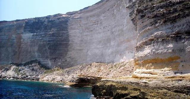 La scogliera del Taccio Vecchio - Lampedusa
