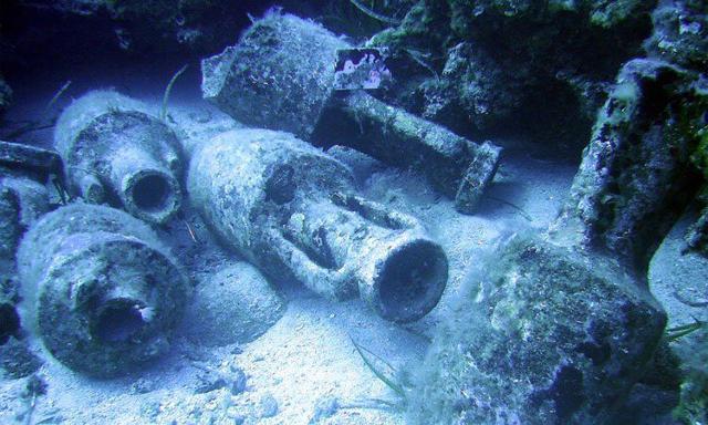 Anfore romane nei fondali di Cala Minnola - Levanzo (TP)