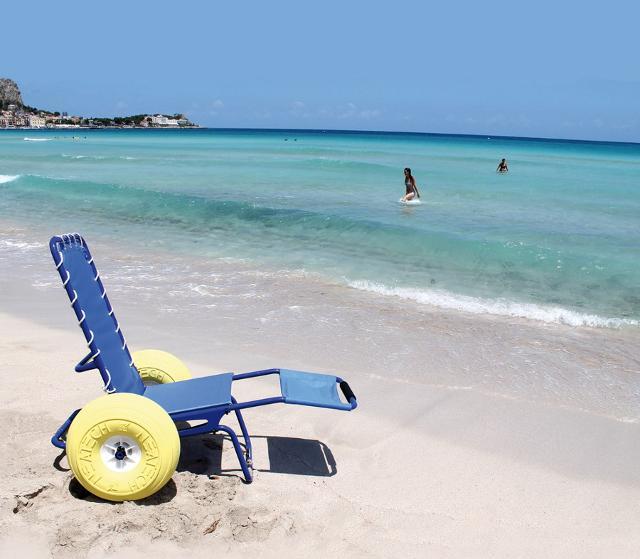 La spiaggia di Mondello diventa ancora più accessibile