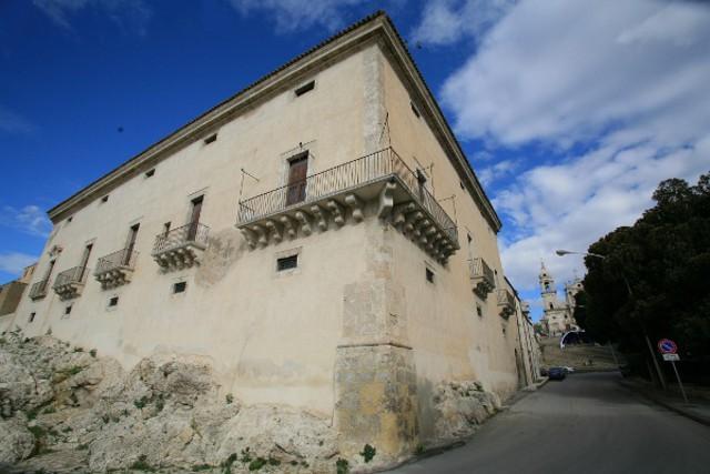 Il Palazzo Ducale di Palma di Montechiaro, si trova all'ingresso dell'abitato