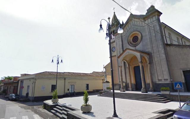 Chiesa nel piccolo abitato di Pennisi, ad Acireale