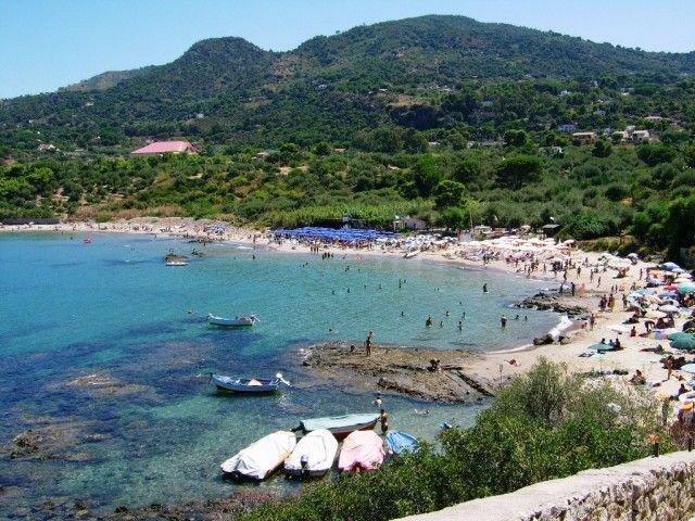La spiaggia di Mazzaforno, vicino Cefalù