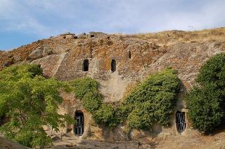 Ad Alia, le grotte della Gurfa