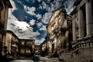 Via dei Crociferi e il Monastero di San Benedetto a Catania