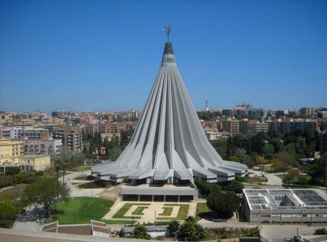 Il  santuario della Madonna delle Lacrime di Siracusa