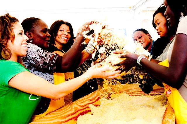 Il Cous Cous Fest è una festa di sapori e civiltà che celebra il cous cous come piatto della pace, comune a tantissime culture