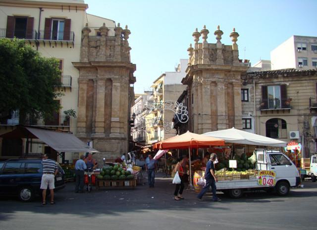 Nei mercati storici di Palermo, senza auto