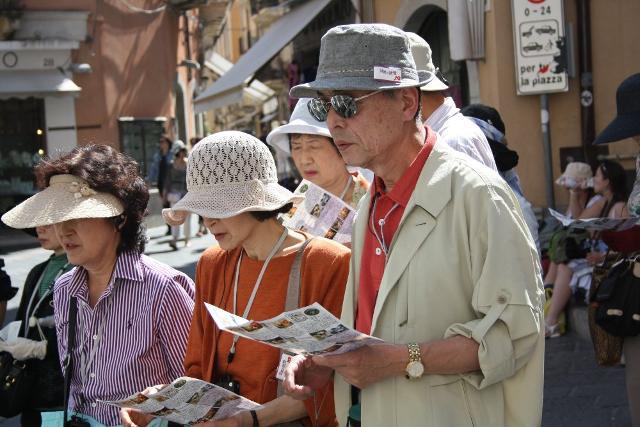 Turisti cinesi in Sicilia