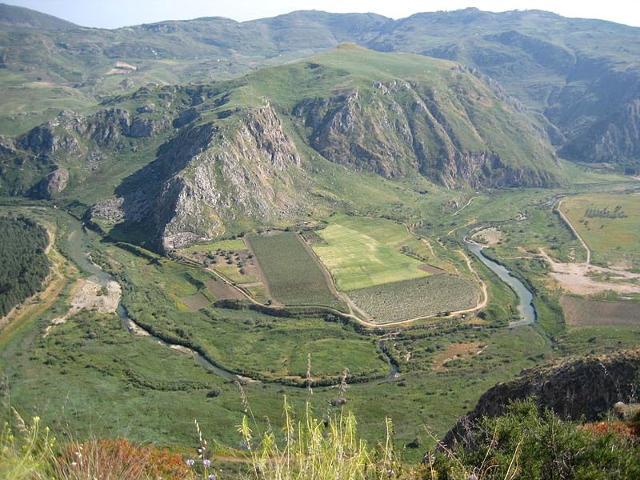 Monti Sicani, valle e fiume Platani